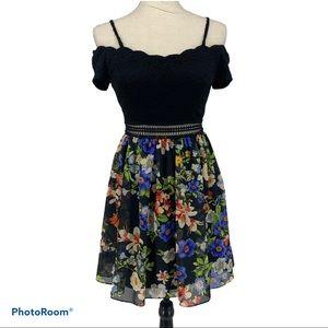 I.N. San Francisco Black lace floral Dress size 3